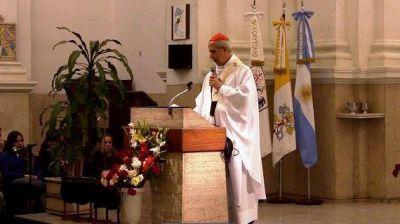 El cardenal Poli alienta al servicio durante la peregrinación a Luján