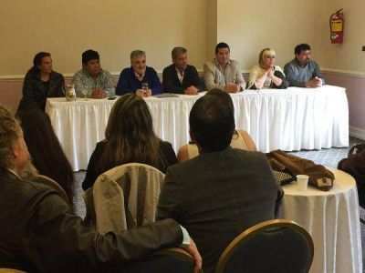 Das Neves de campaña en Comodoro Rivadavia