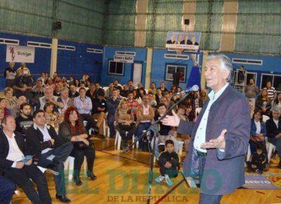 Alberto prometió defender la cultura y el deporte