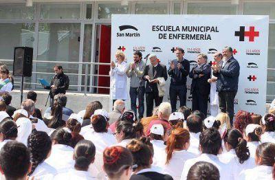 Katopodis lanzó una Escuela de Enfermería en el Hospital Thompson