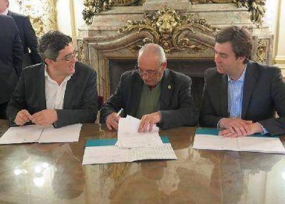 Río Luján: se firmó el convenio para el sistema de alerta temprana