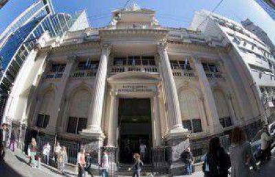 Presionan para que los dólares del Boden 2015 queden en los bancos