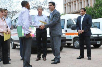 Entregaron cuatro nuevas ambulancias para localidades del interior del Chaco