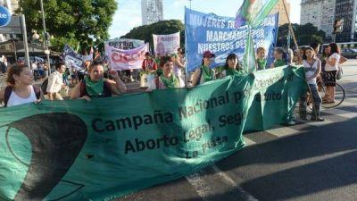 El debate por el aborto se mete en la campaña: rechazo de Scioli y advertencia de Michetti