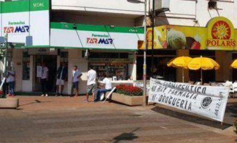 Farmacéuticos protestaron cortando el tránsito en Posadas