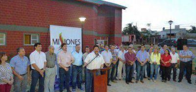 Closs inauguró el polideportivo de Itaembé Miní y la avenida Jauretche