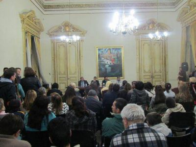 """Bruera, López y Gurzi presentación del libro """"La FORJA del nacionalismo popular"""""""