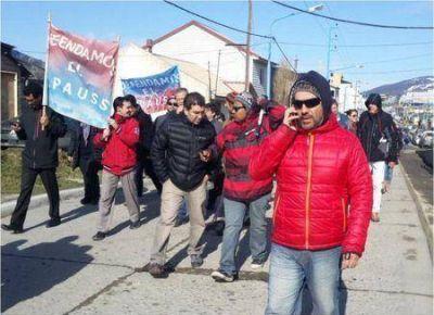 Jubilados reclaman frente a Casa de Gobierno