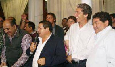 """""""Pepe"""" Scioli encabezó un acto para apoyar a candidatos locales"""