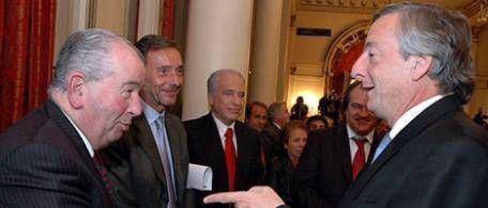 """La UCR pide al Gobierno que """"deje de malgastar la plata de todos"""""""