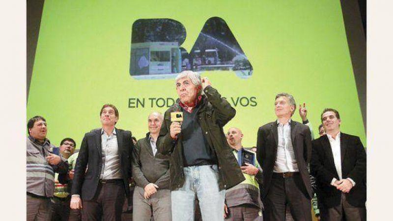 Acercamiento de Moyano a Macri complica el plan para reunificar la CGT