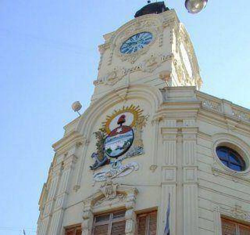El Ejecutivo de Paraná y los gremios se reunirán este jueves para avanzar en la regularización de trabajadores