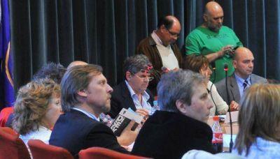 Con disputa velada, se pospuso el debate por nuevas facultades