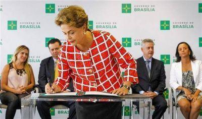 Petrobras acusa los golpes y recorta otra vez sus inversiones