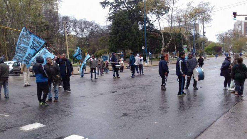 Choripaneros protestan en el centro marplatense y generan caos vehicular