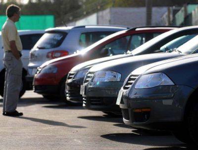 En Mendoza bajó por octava vez la venta de autos en 2015