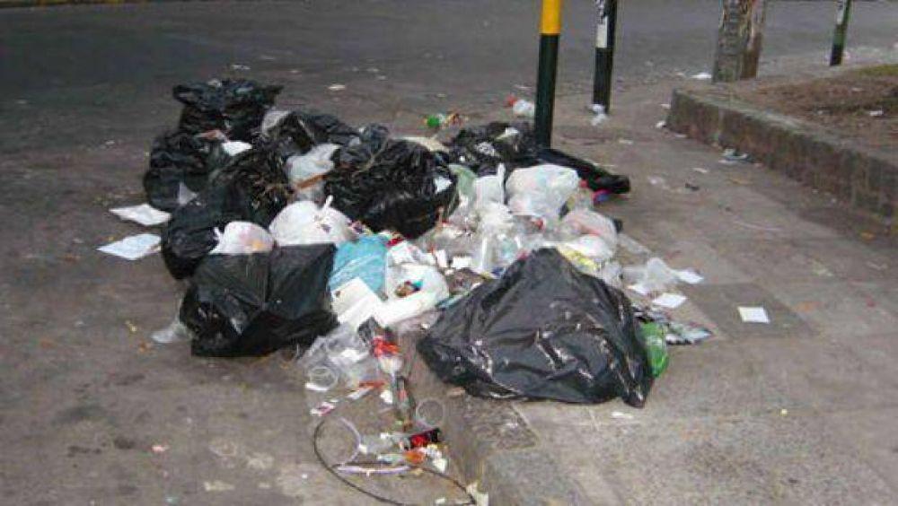 Moyano retoma guerra contra intendentes K por la basura