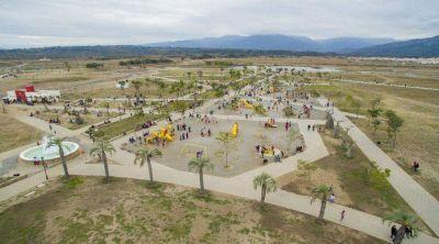 El Parque del Bicentenario tiene más empleados que árboles