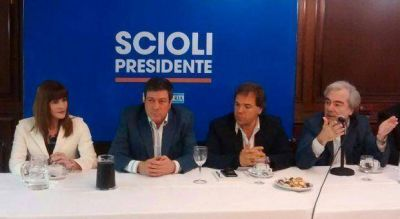 La 'Tigresa' Acu�a se pas� al sciolismo tras acusar a Massa de