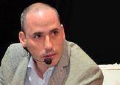 La Plata: �Chubito� Leguizam�n dej� a Massa y apoya a Scioli