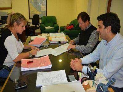 Gobierno firmó el contrato para la construcción de la Comisaría en el Barrio Valle de Andorra