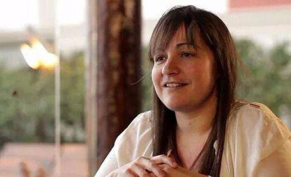 """Marina Santoro: """"Hablan de campaña sucia y son ellos los que se esconden"""""""