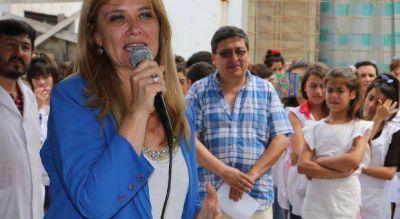 Denuncian que Espinoza usa hasta el Fondo Educativo para la campaña de Magario