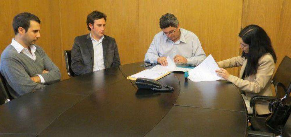 Emergencia Agropecuaria: 25 de Mayo firmó convenios y recibirá $2.100.000 del Gobierno Nacional