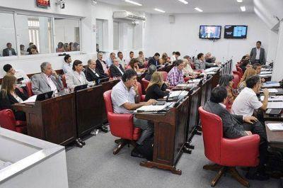 La declaración jurada patrimonial de funcionarios será obligatoria y pública