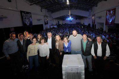 Zamora agasajo a entidades deportivas de Tigre