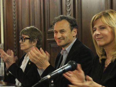 Junto a Saintout y Parodi, Bruera promulgó la ordenanza que regula los centros culturales