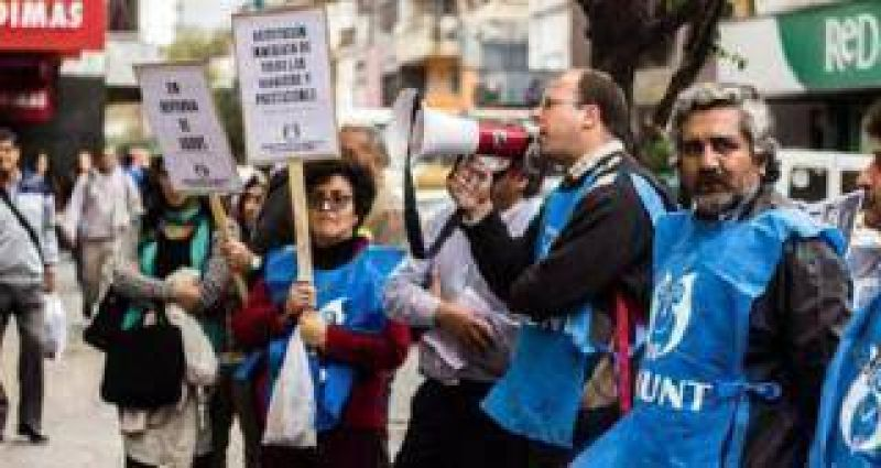 ADIUNT exigi� la renuncia del directorio de ASUNT