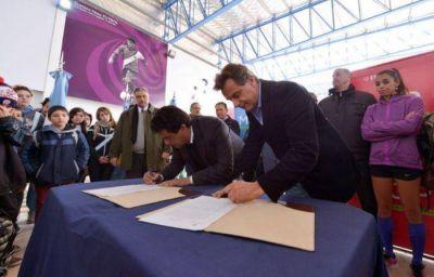 Los establecimientos educativos provinciales y municipales podrán utilizar los 5 Polideportivos