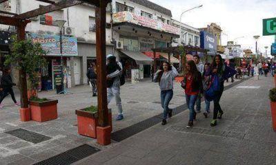 Chau a la peatonal y a la terminal, la propuesta de Zúccaro