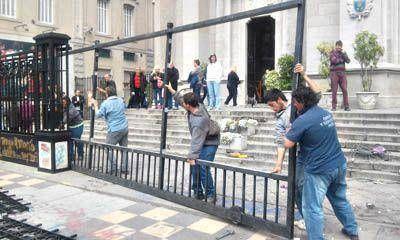 Presentan denuncia penal y reparan daños tras incidentes en la Marcha de Mujeres