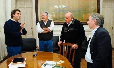 Firman el convenio para avanzar con la creación del Destacamento de Bomberos de Open Door