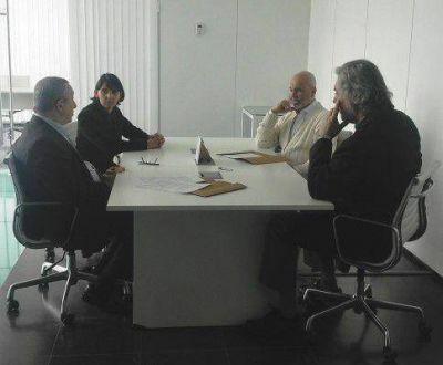 La Universidad y el MAR firmaron convenio de cooperación