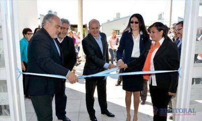 Colombi inauguró una escuela y un jardín de infantes en el barrio Pirayuí