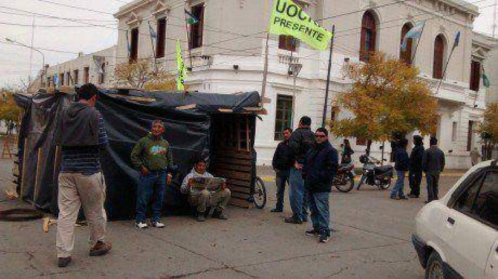 Volvieron a la protesta los trabajadores de la UOCRA Seccional Viedma