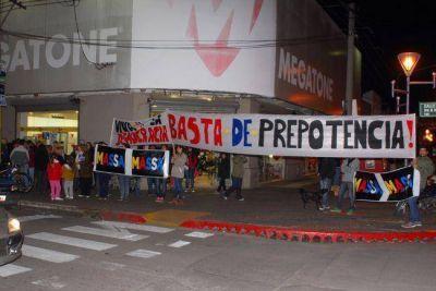 """Frente Renovador denunció """"hurto"""" de cartelería y ataques al local partidario"""