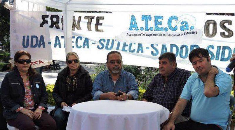 Se firm� el acuerdo en Educaci�n y ATECA levant� el paro