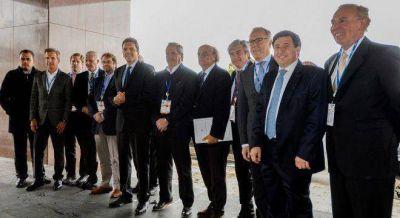 Massa entusiasm� a los empresarios con promesas contra la corrupci�n