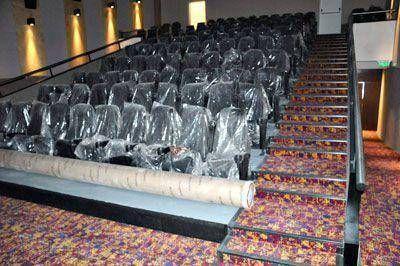 Sonido de última generación y confort en las salas de cine