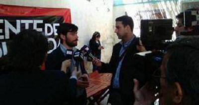 Del Caño visitó Tucumán y criticó a Scioli, Macri y Massa
