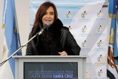 Cristina llega a Caleta Olivia a hablar del acueducto, en medio de un corte de agua de 12 horas