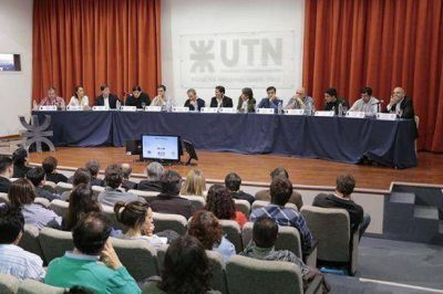 Se lleva a cabo en la UTN la segunda edición del debate de candidatos a intendentes 2015