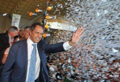 DOS en Córdoba, por los votos de De la Sota