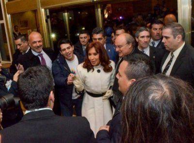 CFK, DOS y un empujón para Alicia y Máximo