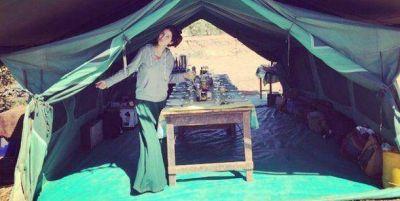 Embarazada, la curiosa técnica de Zaira Nara para secar su ropa interior en África