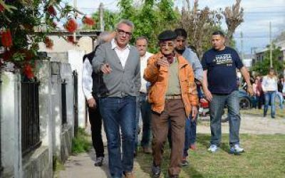 Elecciones 2015: Julio Zamora recorrió las calles de Tigre